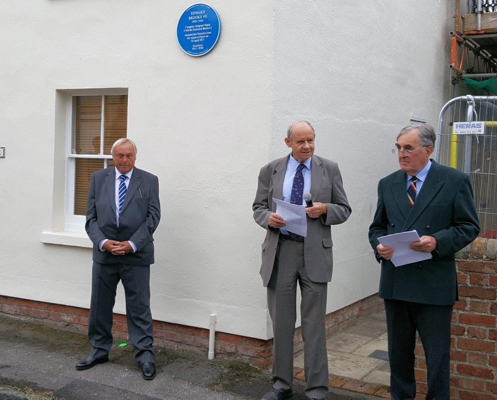 Keith Brooks (grandson), Prof. Robert Evans & Brigadier Nigel Mogg 'unveil' the plaque